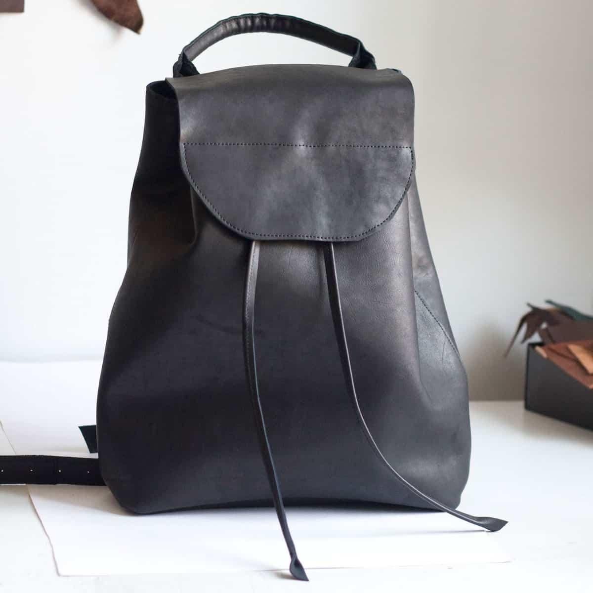 czarny-plecak-skora1a