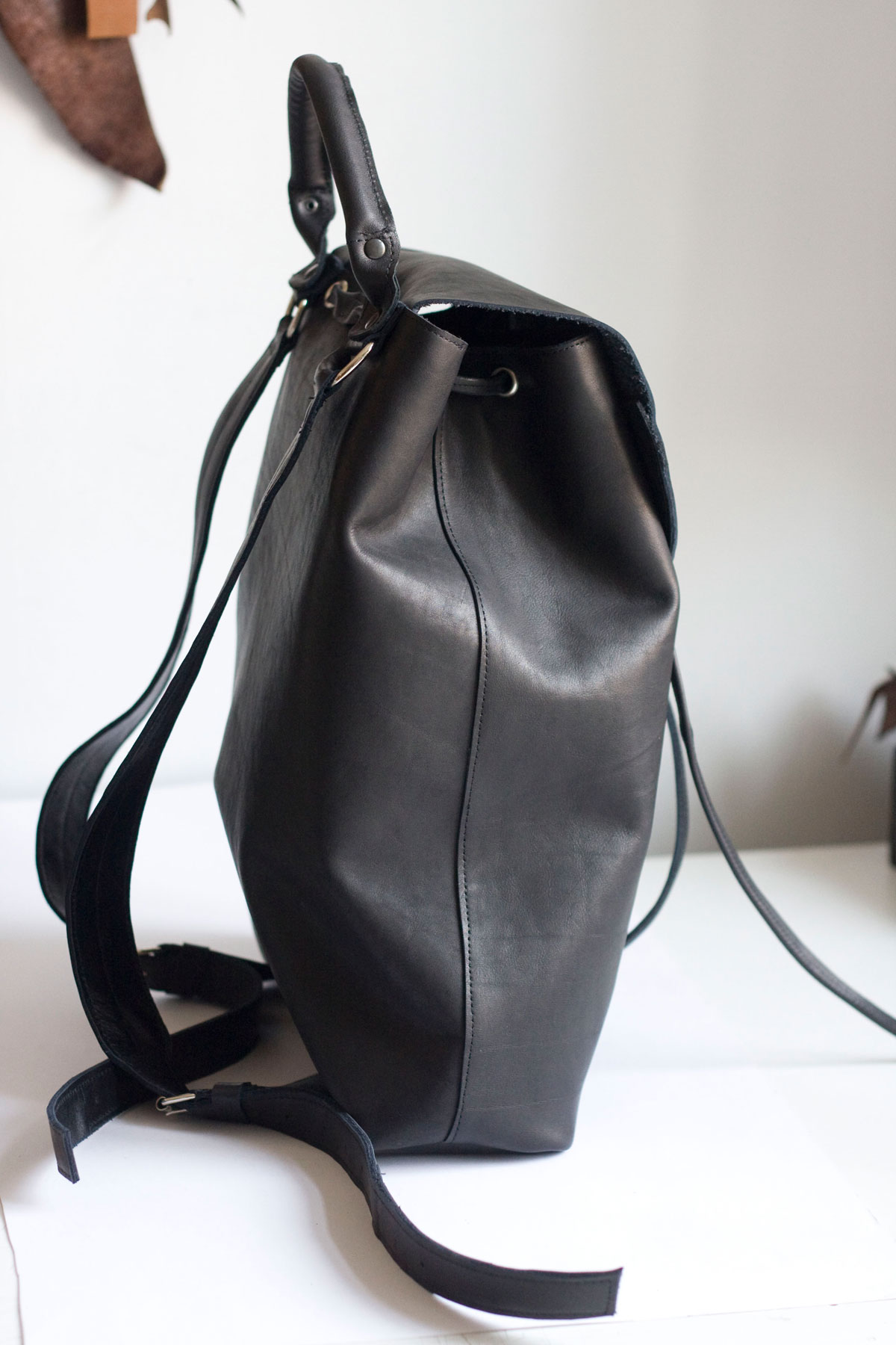 czarny-plecak-skora1b