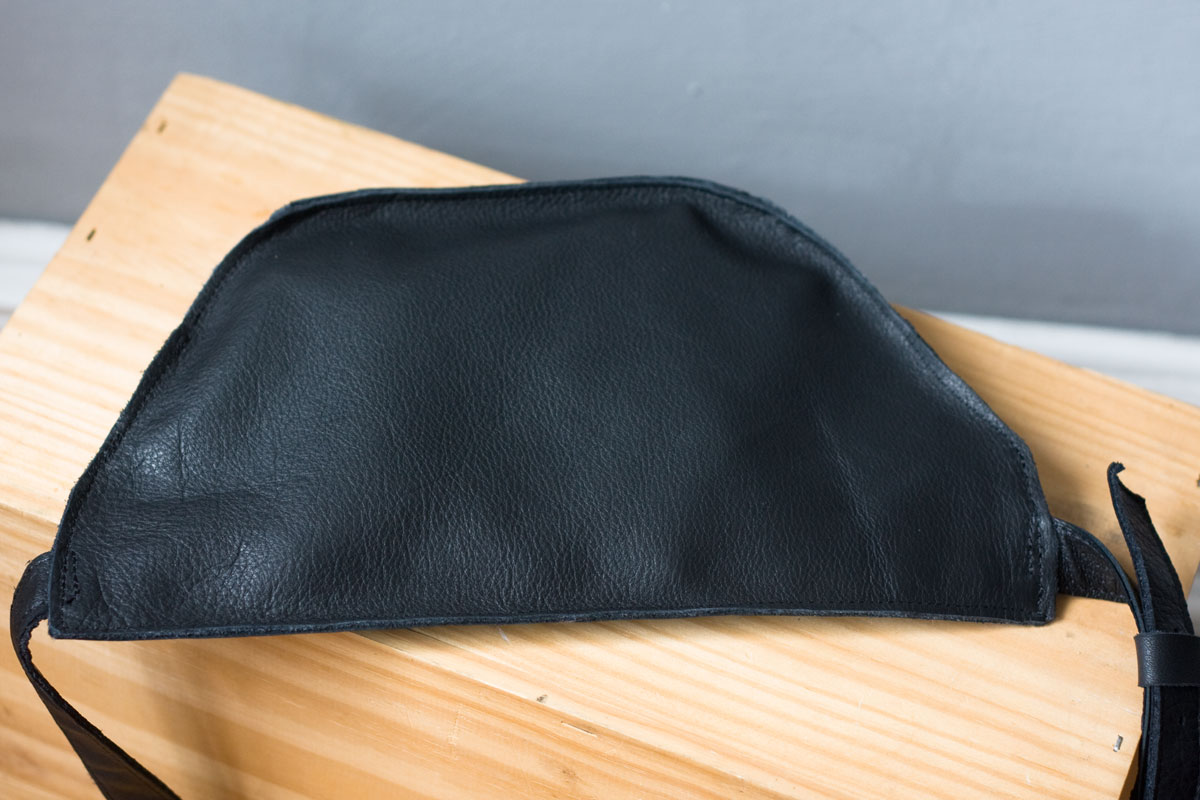 czarna-nerka-skora-recycling01e