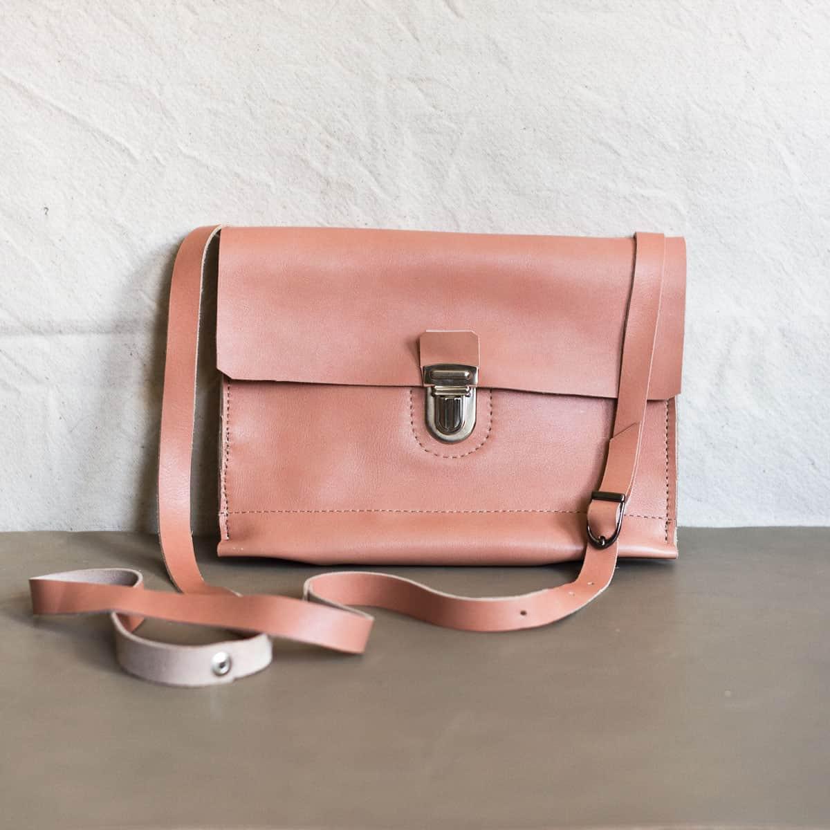 rozowa-torebka-na-ramie01a