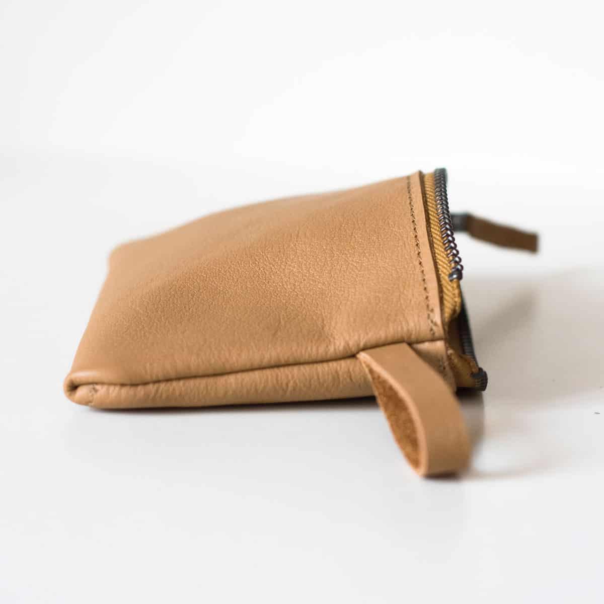 portfel-etui-zamek-camel01b